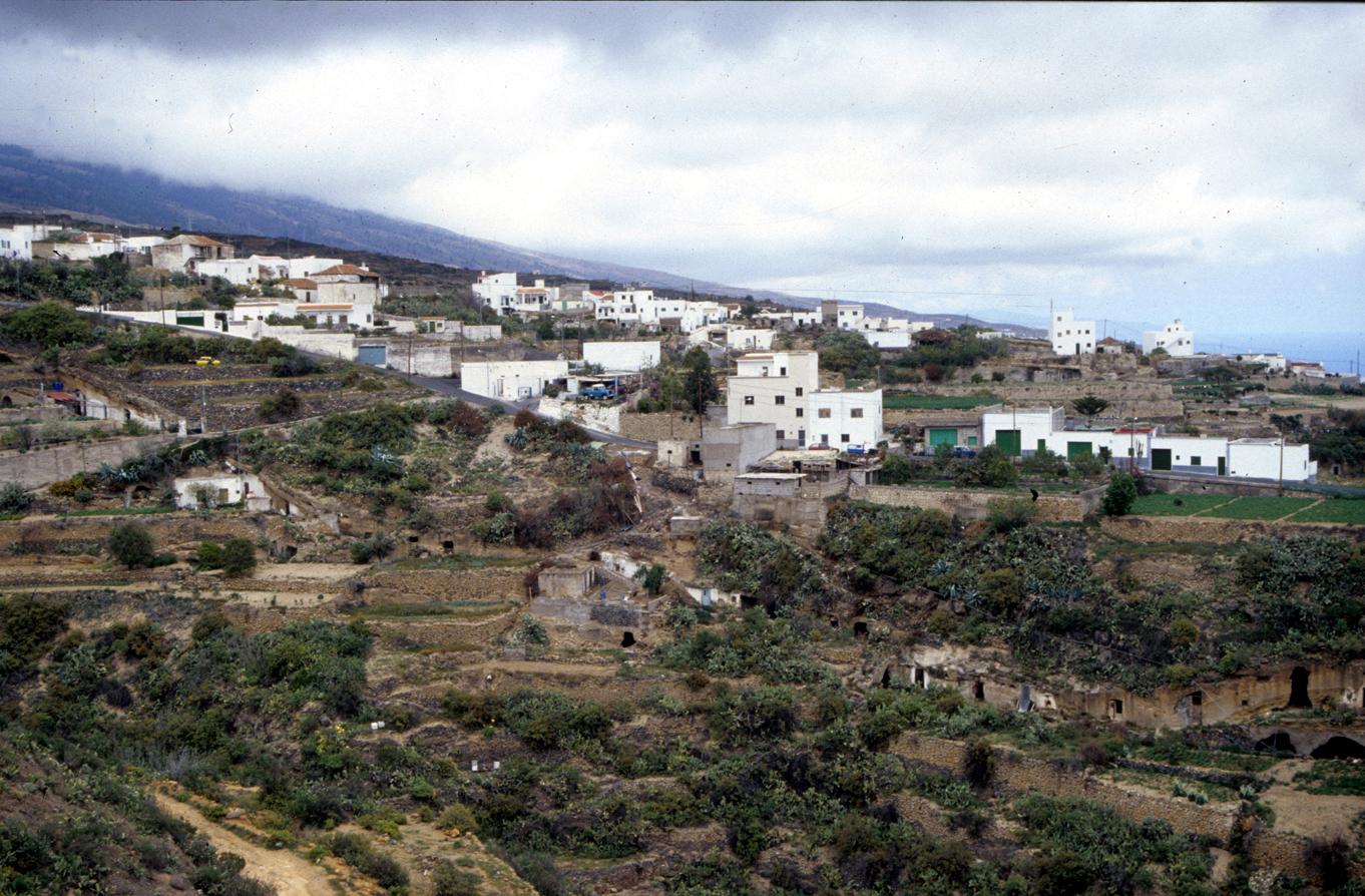 El Cabildo acondicionará la red viaria municipal de varios núcleos de Arico