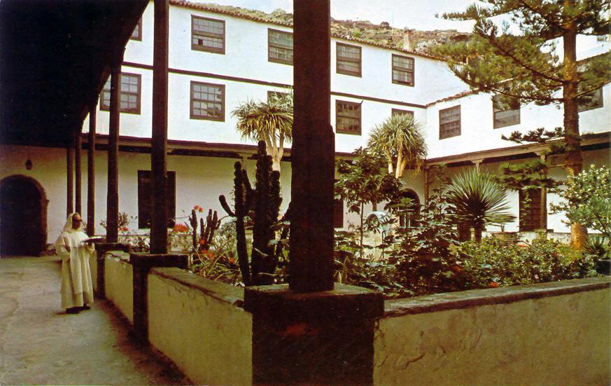 Candelaria-Patio convento