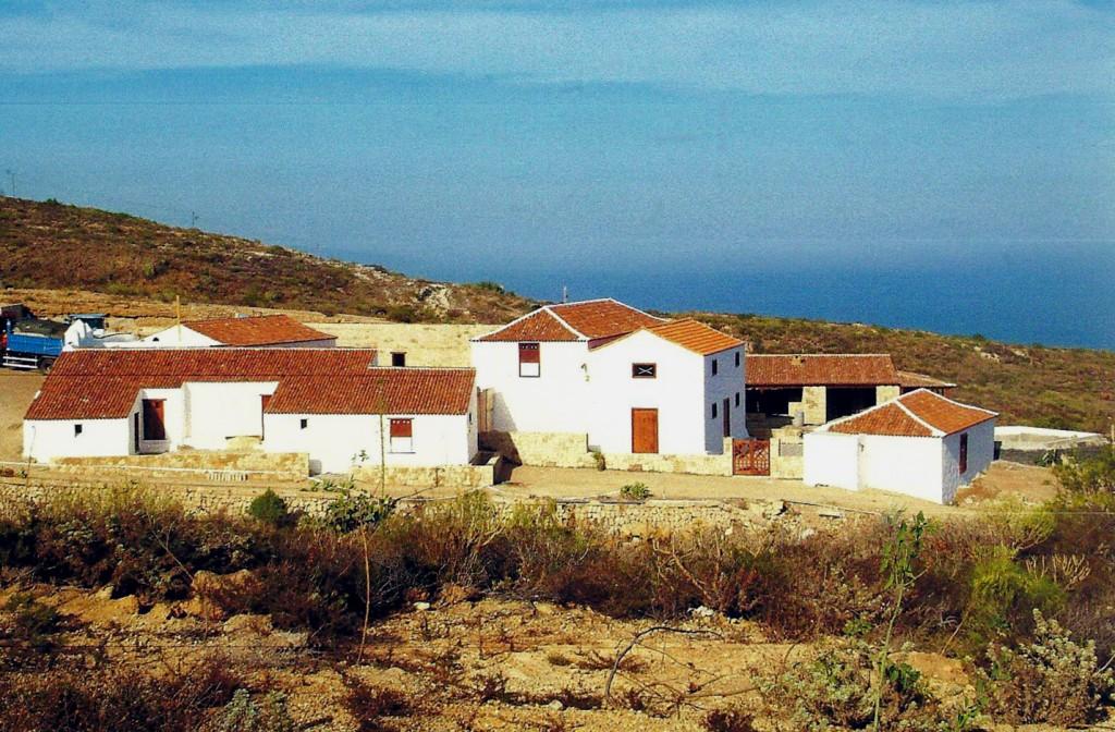 Caserío Camino Real-Fasnia-restaurado-1