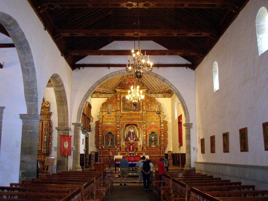 Adeje-iglesia-interior